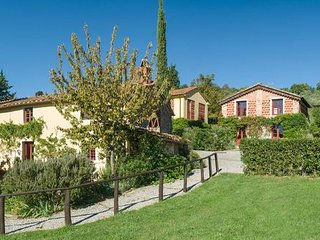 17 bedroom Apartment in Capannori, Garfagnana, Tuscany, Italy : ref 2385745