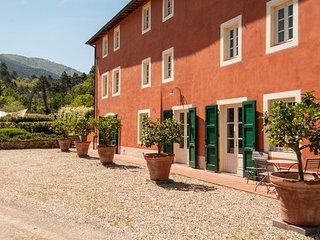 6 bedroom Apartment in Capannori, Tuscany Nw, Tuscany, Italy : ref 2385751