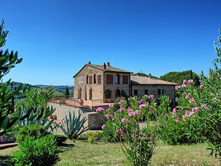 5 bedroom Apartment in Montespertoli, Chianti, Tuscany, Italy : ref 2385794