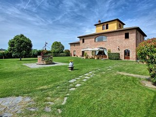 10 bedroom Apartment in Bandita, Val D orcia, Tuscany, Italy : ref 2385796