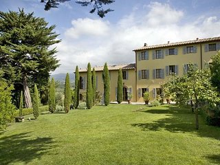 5 bedroom Apartment in Capannori, Tuscany Nw, Tuscany, Italy : ref 2385863