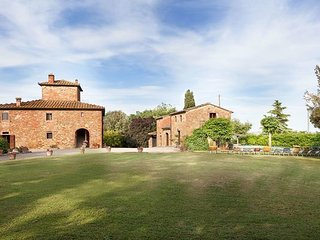 7 bedroom Apartment in San Savino, Val D orcia, Tuscany, Italy : ref 2386218