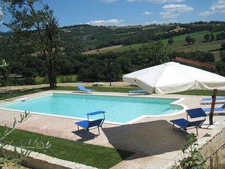 5 bedroom Apartment in Todi, Umbria, Italy : ref 2386245