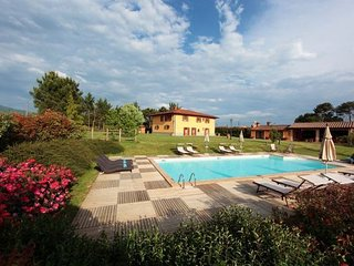 6 bedroom Apartment in Bibbiena, Casentino, Tuscany, Italy : ref 2386302
