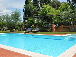 5 bedroom Apartment in Montagnana, Central Tuscany, Tuscany, Italy : ref 2386503