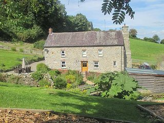 CWMLLECHWEDD UCHAF, detached, Grade II listed farmhouse, peaceful, country locat