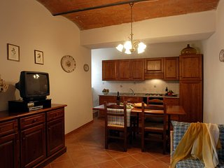 2 bedroom Apartment in Saturnia, Maremma, Tuscany, Italy : ref 2386569