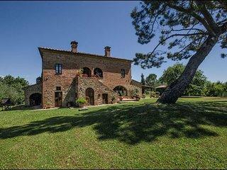 6 bedroom Villa in Torrita Di Siena, Val D orcia, Tuscany, Italy : ref 2386632, Torrita di Siena
