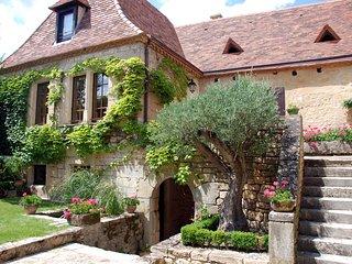 LE PRESBYTERE : Villa d'exception avec piscine au cœur de la Dordogne