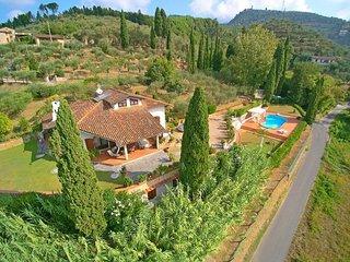 4 bedroom Apartment in Capezzano Pianore, Versilia, Tuscany, Italy : ref 2386701