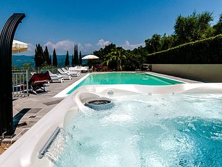 4 bedroom Villa in Monsummano Terme, Montecatini, Tuscany, Italy : ref 2386742