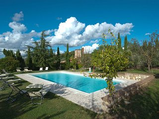 7 bedroom Apartment in Rapolano Terme, Val D orcia, Tuscany, Italy : ref 2386811
