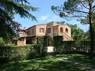 7 bedroom Villa in Foiano Della Chiana, Val D orcia, Tuscany, Italy : ref 2386818