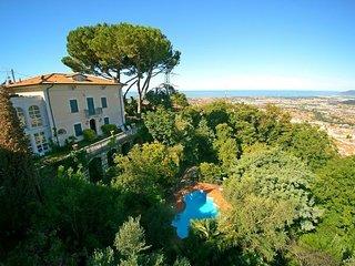 4 bedroom Villa in Massa, Versilia, Tuscany, Italy : ref 2386870