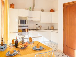 3 bedroom Apartment in Locorotondo, Apulia, Italy : ref 2386922