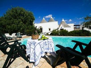 4 bedroom Villa in Carovigno, Apulia, Italy : ref 2387331