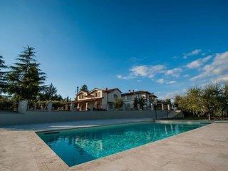 4 bedroom Villa in Gaville, Chianti, Tuscany, Italy : ref 2387155