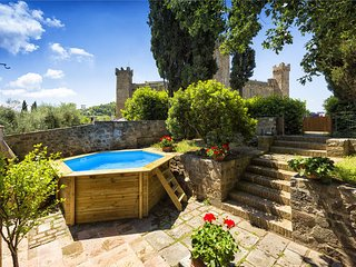 3 bedroom Villa in Montalcino, Val D orcia, Tuscany, Italy : ref 2387187