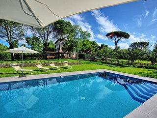 7 bedroom Villa in Rigutino, Central Tuscany, Tuscany, Italy : ref 2387201