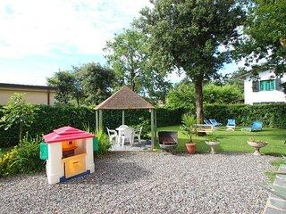 5 bedroom Apartment in Marina Di Massa, Versilia, Tuscany, Italy : ref 2387235
