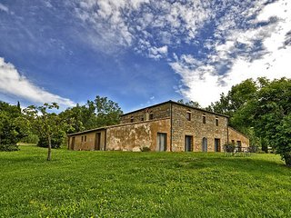 7 bedroom Villa in Spineta, Val D orcia, Tuscany, Italy : ref 2387257, Sarteano