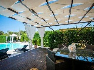 2 bedroom Villa in San Vito Dei Normanni, Apulia, Italy : ref 2387263, San Vito dei Normanni