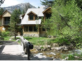Treehouse Cottage on Sundance Creek