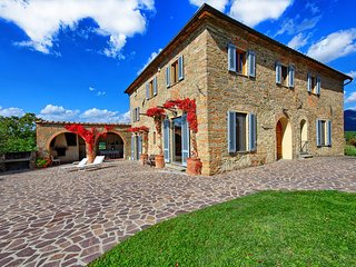8 bedroom Villa in Vicchio, Central Tuscany, Tuscany, Italy : ref 2387332