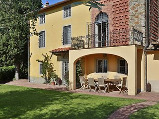 7 bedroom Apartment in Capannori, Tuscany Nw, Tuscany, Italy : ref 2387427