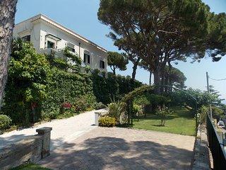 3 bedroom Villa in Vietri Sul Mare, Campania, Italy : ref 2387446