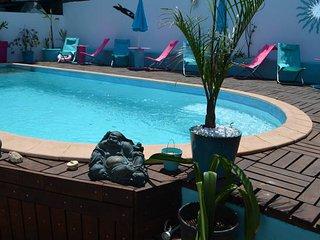 Chambre chez l'habitant + piscine proche Saint Pierre 'Cardinal'