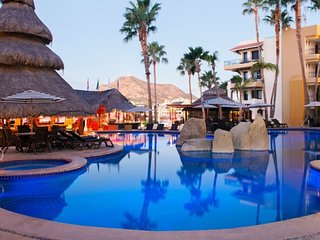BEST 1BR MARINA & POOL VIEW LUXE JR SUITE IN CABO