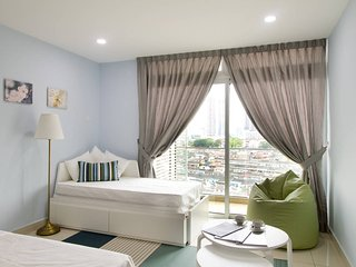 Royale Homestay Sapphire Studio at KSL City
