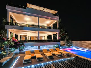 Villa GG / Exclusive holiday experience near Split
