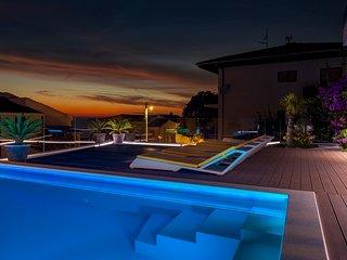 Villa GG / The original villa Exclusive holiday experience for groups near Split
