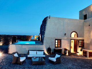 Mansion Kyani in Santorini- Car Rental & Private Transfer included, Megalochori