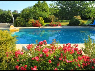 Gîte avec jardin et piscine