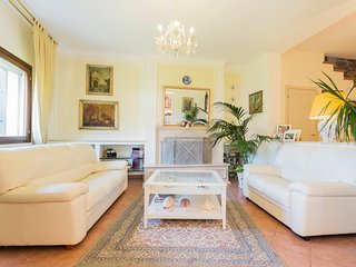 LUXURY VILLA FEW STEP FROM ROMA, Rignano Flaminio