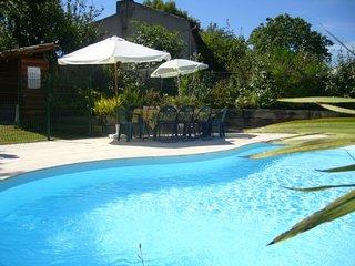 Barn conversion sleeps 8  Mirepoix sleeps 6 pool + self contained flat sleeps 2