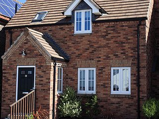Smugglers cottage Filey, The Bay 5 star SHARED POOL