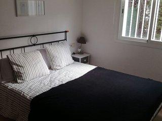 Apartamento 3 habitaciones dobles en Planta Baja con Jardin y barbacoa