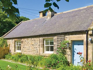 Coast Cottage is a beautiful northumberland countryside retreat, pets allowed., Longhoughton