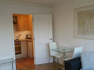 COSY 1 BEDROOM APARTMENT IN FITZROVIA**MINUTES FROM OXFORD ST, Londres