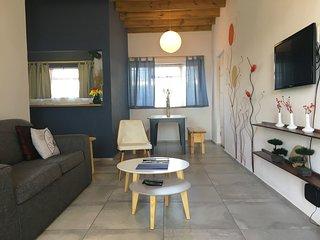 ZenBay Apartment, Strand