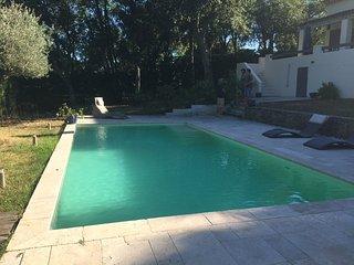 Villa de 120m² au calme avec piscine privée, Bagnols-en-Forêt