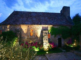LE PRESBYTERE : Villa d'exception avec piscine au ceour de la Dordogne