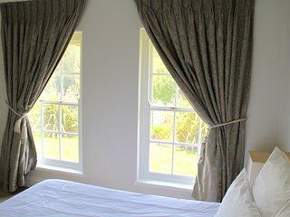 The little Guinea Fowl luxury holiday accommodation in upper Constantia