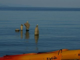 Secluded Beachfront 2 Bedroom Suites clams/oysters fish & kayak from shore, Qualicum Beach