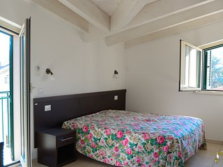 Apartment in recidence Villa Silvia city centre, 150 meters from the sea.