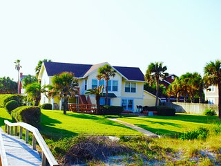 Charming Oceanfront Retreat, Neptune Beach